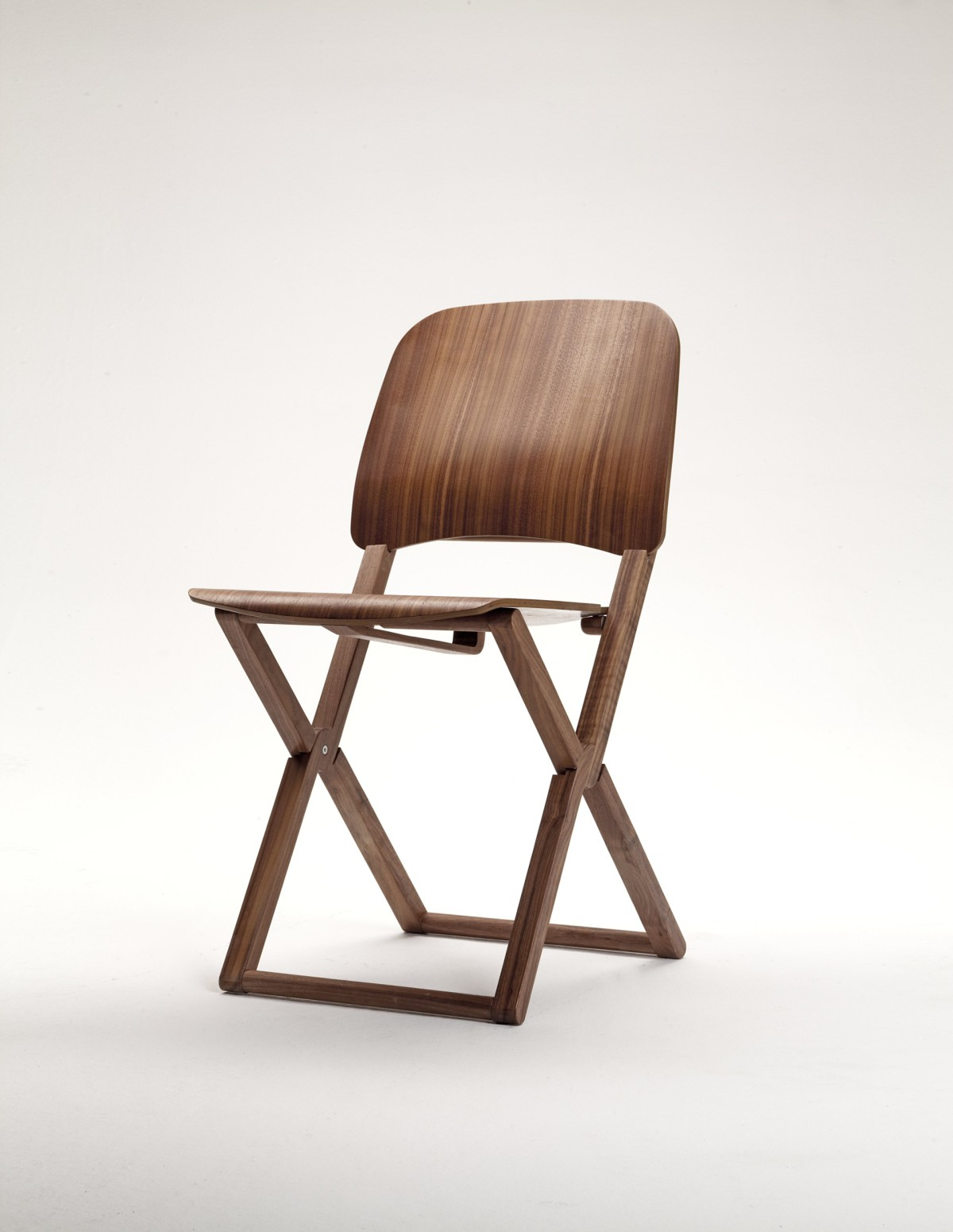 Attirant ... Studiolucianobertoncini Nibe Is A Wooden Folding Chair. Light And Handy  Is Available In Beech Wood, ...