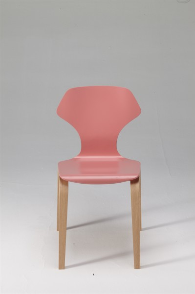 ginger chair. oak and pink. design studiolucianobertoncini