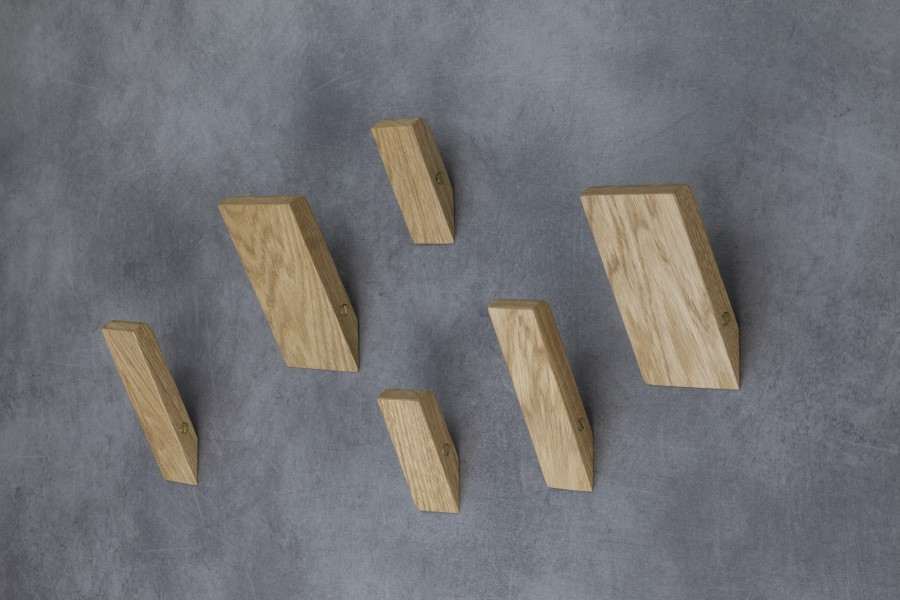 EXCALIBUR wall hanger composed of six elements in solid natural oak